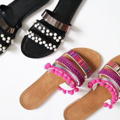 Make your basic sandals pop this summer with these two simple tutorials, plus links to where to buy the best trimmings!
