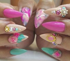 Beautiful nail art designs that are just too cute to resist. It's time to try out something new with your nail art. Sexy Nails, Glam Nails, Fancy Nails, Bling Nails, Stiletto Nails, Love Nails, Beauty Nails, Pretty Nails, Beautiful Nail Designs