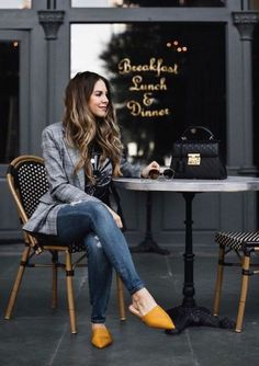 99 Fashionable Office Outfits and Work Attire for Women to Look Chic and Stylish Look Blazer, Blazer With Jeans, Plaid Blazer, Blazer Outfits, Chic Outfits, Fashion Outfits, Denim Jeans, Blazer Dress, Sleevless Blazer