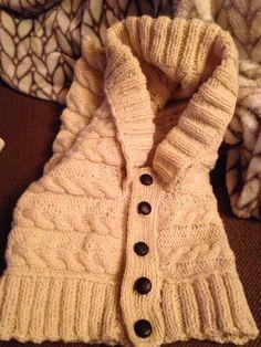 Hooded neck warmer for Nona