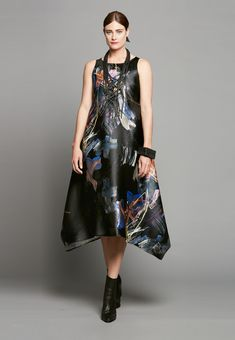 SIDE POINT DRESS IN FANCY JOB