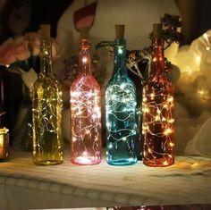 ✨🍾 Mit Bottle Light - machst Du aus jeder alten Flasche eine zauberhafte Deko Lampe!  Bottle Light ist eine Lichterkette, die speziell für das Upcycling von alten Flaschen erfunden wurde!  ✅ Passt für jede Flasche ✅ Die Technik versteckt sich im Verschluss (sieht optisch aus wie ein Korken) ✅ Kein störendes Kabel (dank Batteriebetrieb) ✅ praktischer Ein/Aus Schalter  Soooo einfach und sooooo schön zu gleich 💜  🎉JETZT in AKTION bei PAMURA 🎉