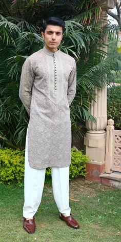Pakistani Kurta Designs, Gents Kurta Design, Achkan, Kurta Style, Nehru Jackets, India Usa, Indian Groom, Couple Shoot, Tuxedo