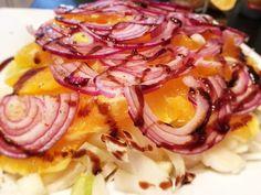 Chicoree-Orangen Salat mit roten Zwiebeln
