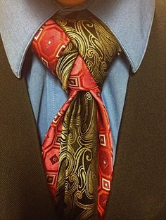 I like how interesting this knot is to look at while maintaining the classic shape of a more standard necktie knot.