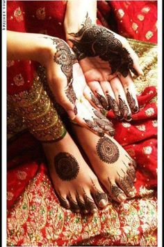 henna - love the toe details