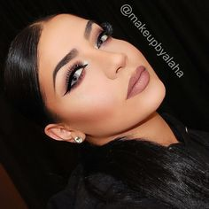 """Flawless look on #beauty babe @makeupbyalaha wearing Motives LBD Gel Liner!! Makeup details: Face: @lorealmakeup infallible foundation @tartecosmetics slenderizer contour stick @maybelline age rewind @sigmabeauty aura powder bronzer """"in the saddle blush in """"pet-name"""" and liquid highlighter (use code ALAHA on sigmabeauty.com to save 10%!!) @anastasiabeverlyhills contour kit and Dipbrow in soft brown Eyes: @motivescosmetics LBD gel liner @sigmabeauty """"brilliant & Spellbinding eyeshadow palette…"""
