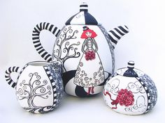 Ode to Night Circus, a millefiori tea set, by 2012 Circle Craft Christmas Market exhibitor, Wanda Shum Design. Teapots And Cups, Ceramic Teapots, Ceramic Pottery, Ceramic Art, Fimo Polymer Clay, Tee Set, Night Circus, Norman Foster, Tea Pot Set