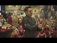 Crashes a Kid's Iron Man Costume Contest at Comic-Con - this has to be the sweetest, cutest, most adorable thing ever :) RD jr is awesome Robert Downey Jr., Iron Man Suit, Marvel Actors, Marvel Dc, Teen Titans Go, Downey Junior, Costume Contest, Good Cause, Tony Stark