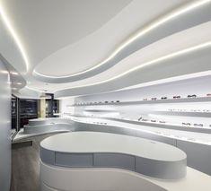 Novaoptica Optic Store / Tsou Arquitectos