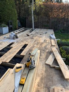 Garden // Building a Scaffold Board Deck & Clad Fence - Roses and Rolltops Sleepers In Garden, Reclamation Yard, Back Garden Design, Dark Tree, Tree Base, Scaffold Boards, Sand Pit, Garden Buildings, Scaffolding