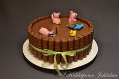 Pigs in a mud bath cake Pigs In Mud Cake, Pig In Mud, Mud Bath, Culinary Classes, Cakes And More, Amazing Cakes, Party Planning, Tart, Birthday Cake