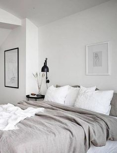 Neutral bedroom with a balcony view Neutrales Schlafzimmer mit Balkonblick - via Coco Lapine Design Minimal Bedroom Design, Grey Bedroom Design, Bedroom Inspo, Home Decor Bedroom, Modern Bedroom, Bedroom Ideas, Bedroom Designs, Bedroom Small, Bedroom Black