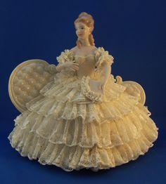 Porcelain Made In China With A Marking Porcelain Dolls Value, Fine Porcelain, Antique Dolls, Vintage Dolls, Southern Belle Dress, Japanese Tea Set, Dresden Porcelain, Half Dolls, Miniature Crafts