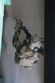 Airsoft hub is a social network that connects people with a passion for airsoft. Talk about the latest airsoft guns, tactical gear or simply share with others on this network Military Personnel, Military Weapons, Military Men, Military History, Marsoc Marines, Us Marines, Plate Carrier, Special Operations Command, Military Special Forces