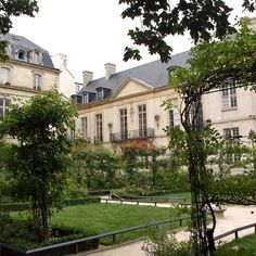12 Paris Secrets You Had No Idea Existed