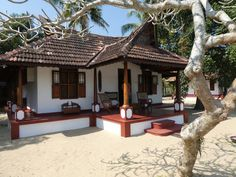 Village House Design, Kerala House Design, Village Houses, Home Styles Exterior, Interior And Exterior, Interior Ideas, Rural House, Farm House, Tiny House