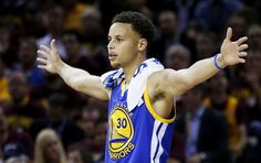 Why does Stephen Curry not want to be a free agent?