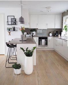 31 Beautiful Modern Condo Kitchen Design And Decor Ideas - - Kitchen Room Design, Modern Kitchen Design, Living Room Kitchen, Home Decor Kitchen, Interior Design Kitchen, Home Kitchens, Kitchen Ideas, Small Condo Kitchen, Condo Kitchen Remodel