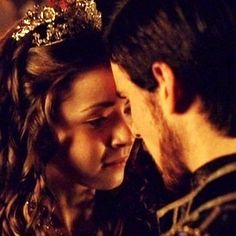 Two of my favorite actors in one picture, yippee!  Colin and Sarah Bolger in The Tudors.