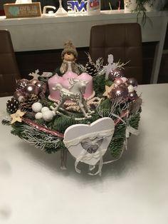 Christmas Wreaths, Holiday Decor, Home Decor, Hobbies, Decoration Home, Room Decor, Home Interior Design, Home Decoration, Interior Design