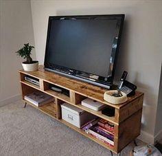 Meuble TV Diy pour le salon http://www.homelisty.com/meuble-en-palette/