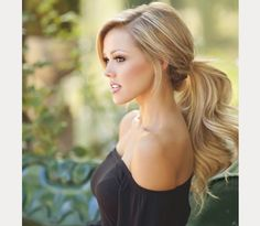Pretty Pony Tails for Bride's Wedding Day ~ we ♥ this! moncheribridals.com