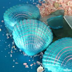 When you think about mermaids, what comes to mind? I think of the ocean, sea shells and a shimmery color palette of aqua, purple, gold and green. This Mermaid Shell Melt and Pour soap features plenty of shimmer in an adorable clam shell mold. Scented with the new Crisp Cotton Fragrance Oil, this soap smells of …