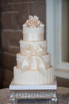 Ivory Wedding cake - Michael David Photography