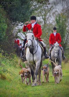 Riding astride on English saddles, riders join Meath Hunt for weekend of foxhunting.