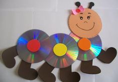 EL ARTE DE EDUCAR: RECICLANDO LOS CDs Crafts With Cds, Kids Crafts, Recycled Cd Crafts, Diy Arts And Crafts, Preschool Activities, Paper Crafts, Cd Art, Butterfly Crafts, Felt Patterns