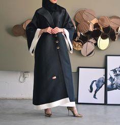 Abaya Fashion, Muslim Fashion, Fashion Dresses, Hijab Style Dress, Hijab Chic, Modern Abaya, Modele Hijab, Iranian Women Fashion, Abaya Designs
