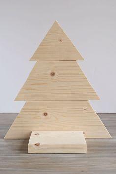 DIY Wood Christmas Tree Mason Jar Sconce – Angela Marie Made - wood crafts Wooden Christmas Decorations, Christmas Wood Crafts, Wood Christmas Tree, Diy Christmas Gifts, Diy Wood Crafts, Wood Decorations, Xmas Trees, Christmas Signs, Kids Christmas