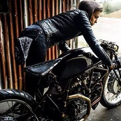Real Biker Women shu.kishi (1)