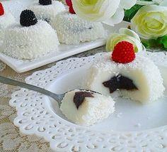 Hafif sütlü tatlı sevenler için, lezzetli bir tatlı. Sizde kolaylıkla yapıp ev halkına akşam yemeğinden sonra ikram edebilirsiniz.