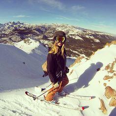 Skiing in Colorado ❤️ Ski And Snowboard, Snowboarding, Ski Ski, Ski Mountain, Mammoth Mountain, Snow Fashion, Arab Fashion, Winter Fashion, Ski Bunnies