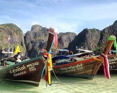 Tailândia Phi Phi Island Domingo é dia de destaque e o primeiro do dia vai para esse registro maravilhoso direto da Ilha Phi Phi na Tailândia feito pela seguidora @karinamonteiro que está fazendo um tour incrível pela Ásia. Esse destino é um dos que está na minha bucket list e é sonho gente! Quero demais conhecer Karina obrigada por compartilhar a sua viagem com o blog amei!! . . E se você quer aparecer na galeria do blog é só nos marcar em suas fotos de viagem usando #melevenamala que todo…