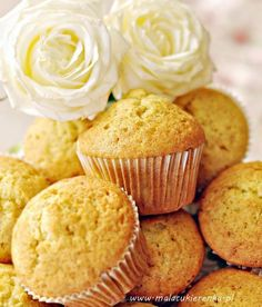 Babeczki waniliowe My Favorite Food, Favorite Recipes, My Favorite Things, Polish Recipes, Polish Food, Vanilla Cupcakes, Recipes From Heaven, Food And Drink, Cooking Recipes