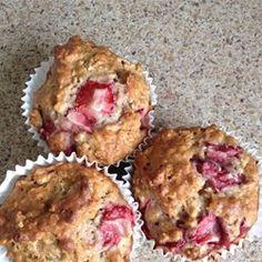 Strawberry Cinnamon Oatmeal Muffins - Allrecipes.com