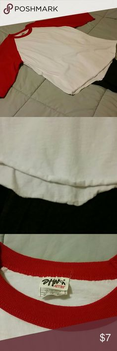 NWOT Men's Baseball Tee NWOT Men's 3/4 sleeve baseball tee. It's never been worn! Buy for your hubby or wear it yourself oversized with leggings! Tops Tees - Long Sleeve