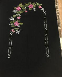 Resultado de imagen para hand embroidery motifs for bed linen # bed linen # hand embroidery motifs … – Embroidery Desing Ideas Embroidery Flowers Pattern, Hand Embroidery Designs, Ribbon Embroidery, Flower Patterns, Embroidery Motifs, Cross Stitch Rose, Modern Cross Stitch, Cross Stitch Designs, Cross Stitch Patterns