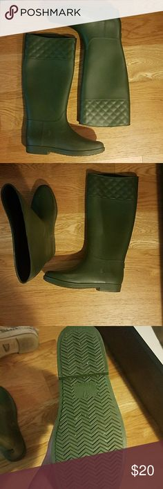 Hunter green rain boots Worn under 5x nearly like new!  Purchased from asos.  Please check asos sizing chart.  Size 37. Asos Shoes Winter & Rain Boots