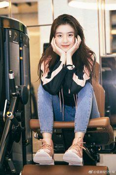 Cute Girl Photo, Girl Photo Poses, Girl Poses, Ulzzang Korean Girl, Cute Korean Girl, Asian Girl, Oufits Casual, Korean Girl Fashion, Chinese Actress