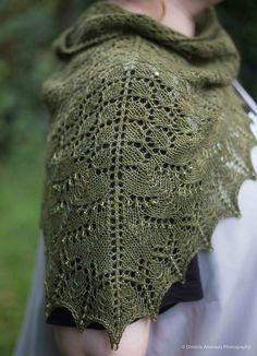 Free Pattern: Swallowtail Shawl