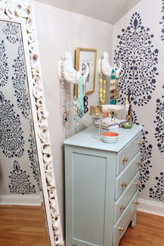 DIY stenciled accent wall www.simplestylings.com