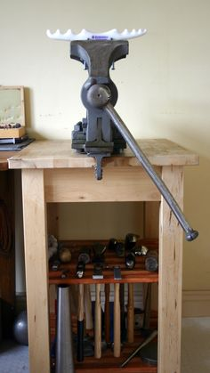 Ikea Bekvam forming station, vice and hammers perfecly stored. This is the one I am using as well. Jewelry Tools, Jewelry Making, Copper Jewelry, Diy Jewelry, Jewelery, Jewelers Workbench, Ikea Bekvam, Workshop Studio, Workshop Ideas