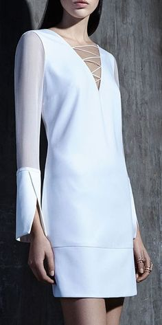 Giuliana Romanno f/w sleeve detail Fashion Details, Look Fashion, Womens Fashion, Fashion Design, Fashion Trends, Mode Pop, Mode Outfits, Look Chic, White Fashion