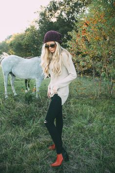 Barefoot Blonde | www.barefootblonde.com | This girl's style is so on point, I had no idea that quite a few of my pins were all from her! Check her out, her aesthetic is beautiful.