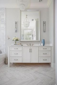 Sherwin Williams Crushed Ice Paint Crushed Ice Wall Color Crushed Ice Home Interior Decoration App Sherwin Williams White, Bathroom Renos, Bathroom Ideas, Bathroom Remodeling, Bathroom Cabinets, Bathroom Vanities, Remodeling Ideas, House Remodeling, White Marble Bathrooms