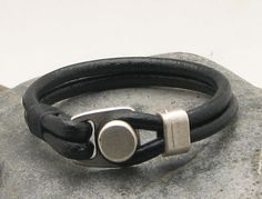 EXPRESS SHIPPING Men's leather bracelet.Black by eliziatelye